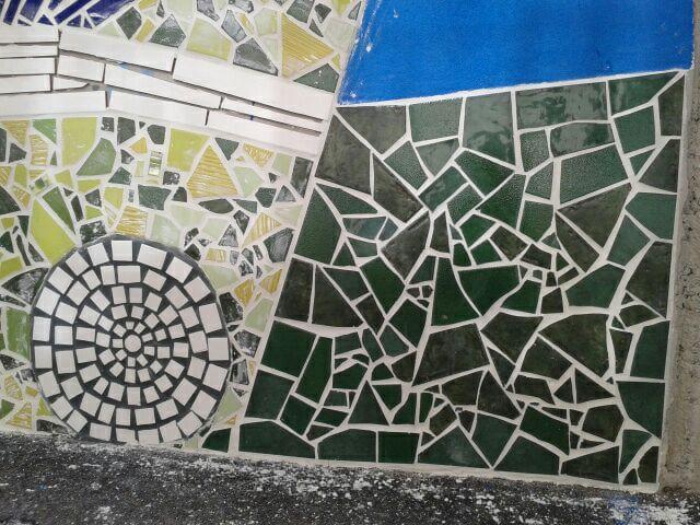 Detalle del mosaico en construcción. Sección.